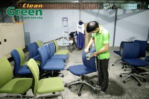 5 ảnh hưởng nghiệm trọng của việc không giặt ghế nệm văn phòng